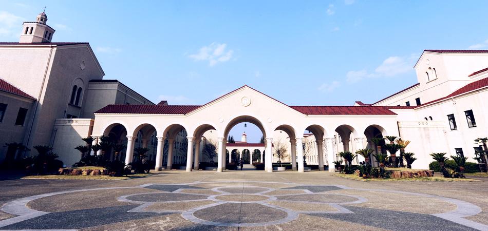大学外観2